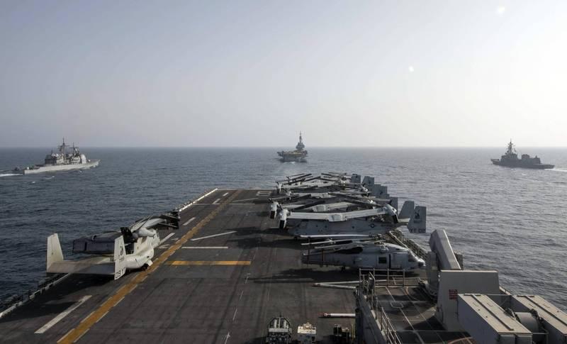 日媒報導由法國海軍主導的「拉佩魯茲」(La Perouse) 多國聯合演習,今年除了日本海上自衛隊、美國及澳洲海軍參加之外,印度也將首次參加。圖為美法日三國船艦演習情形。(美聯社)