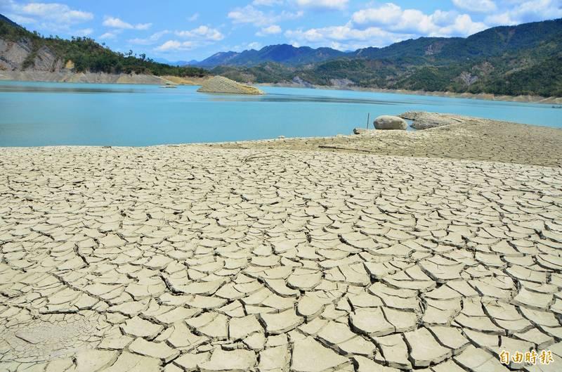 南台灣各水庫水情吃緊,氣象局預報4月雨情不樂觀。(資料照)
