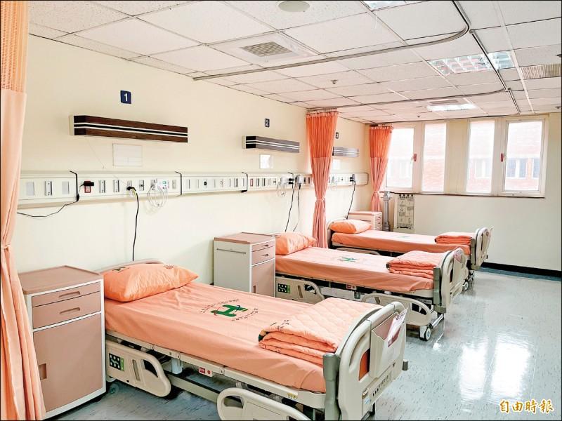 政院昨拍板,有長照相關科系私校可設住宿式長照機構。圖為台北市聯醫中興院區成立全市首座公立醫院的住宿式長照機構。 (記者鄭名翔攝)