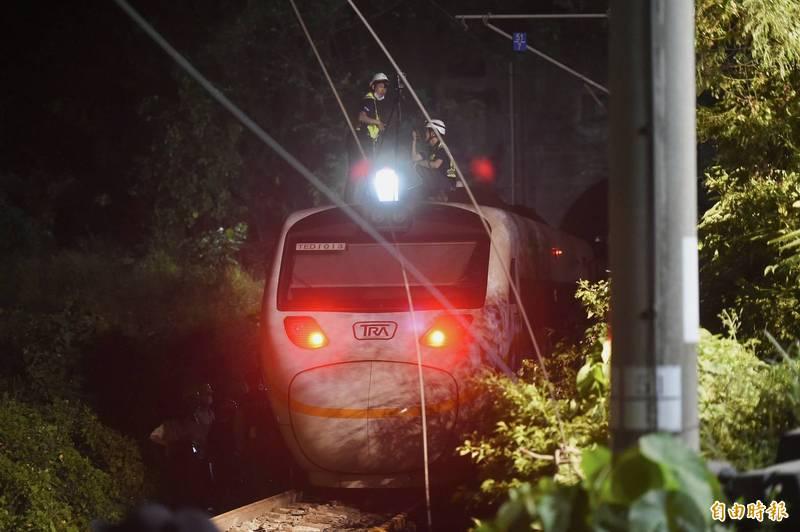 台鐵408車次太魯閣2日行經花蓮清水隧道發生重大事故,造成50人死亡,146人受傷。(記者塗建榮攝)