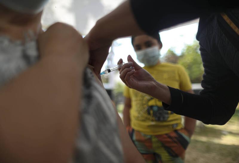 智利近來確診病例數不斷上升,政府週四(4/1)宣佈將關閉邊界。(美聯社)
