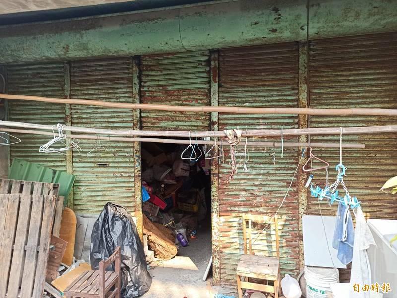 義祥工業社登記的地址外觀看起來像廢墟,不過公司另有他處。(記者王錦義攝)