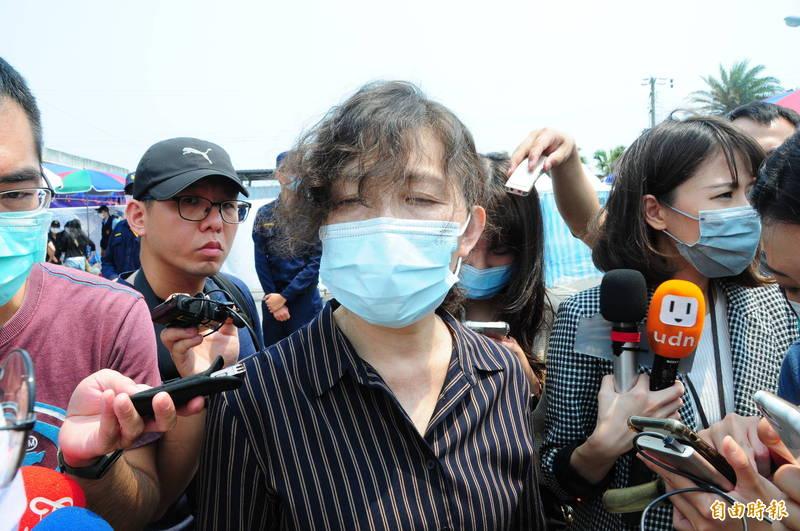 花蓮地檢署檢察長俞秀端今天證實,第6節下方又發現1具完整扭曲遺體,身分尚待確認。(記者花孟璟攝)