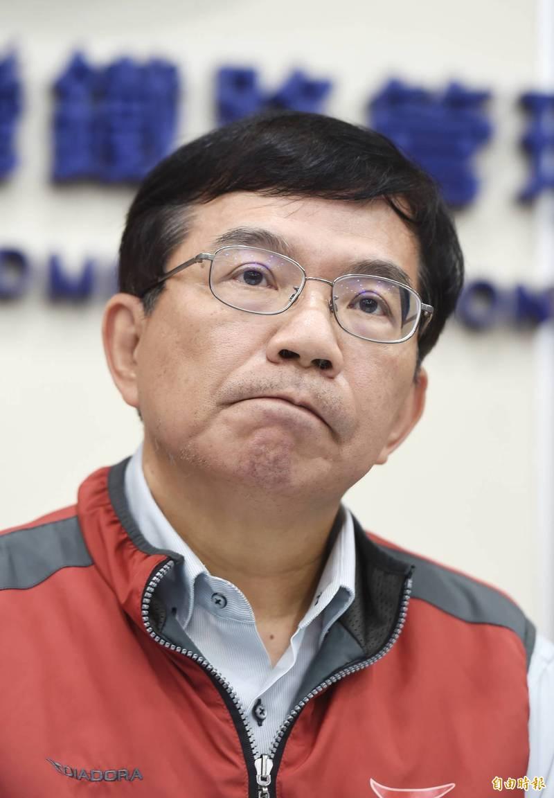 中華軌道協會理事長蔡煌瑯指出,台鐵公司化或許是改革的唯一契機。交通部政務次長王國材(見圖)表示,他個人是非常支持公司化。(記者方賓照攝)