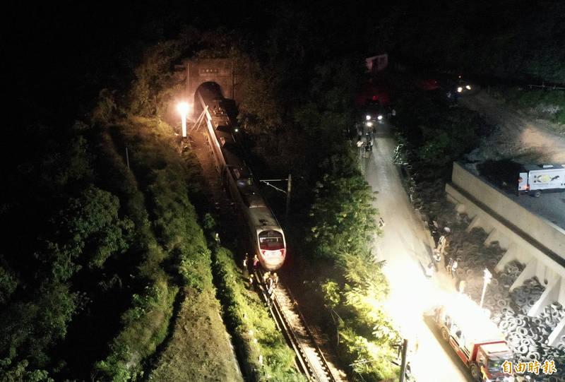 台鐵出軌釀重大傷亡,美國務院表示願提供協助。(資料照)