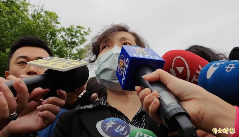 花蓮地檢署檢察長俞秀端下午說明罹難者人數最終版為50人。(記者花孟璟攝)