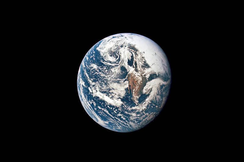 美國亞利桑那州立大學研究團隊指出,古代太陽系行星特亞的殘骸可能沉睡在地球內部,這顆行星被認為45億年前與地球相撞,分裂出月球。(美聯社檔案照)