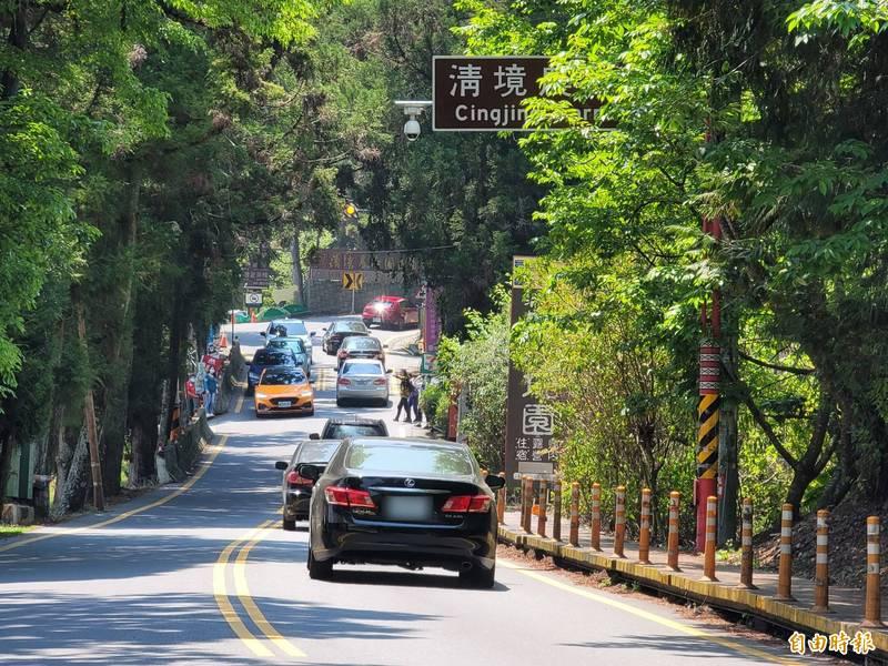 公路總局推估,收假日將有返工車潮,將針對多路段實施交通管制。圖為南投縣台14甲線清境路段。(資料照,記者佟振國攝)