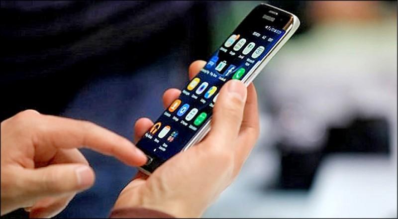 美國猶他州議會近日通過反色情片新法,要求該州出售的所有手機與平板電腦都要安裝自動過濾器。 (法新社)