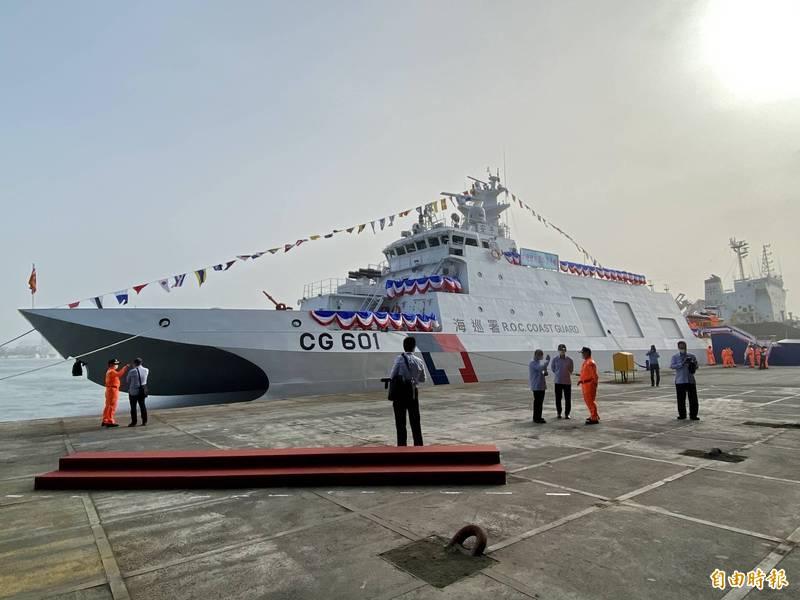 600噸的海巡安平艦已在去年12月交船,將參與國防部今年度漢光演習,以及海軍年度戰術總驗收「海強操演」,並且加裝雄風反艦飛彈等相關武器裝備,實際驗證平戰轉換武器加裝程序丶實彈射擊成效。(資料照)