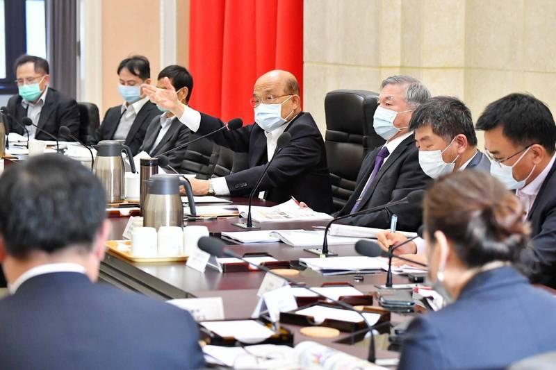 行政院長蘇貞昌今日主持行政院食安會報110年第一次會議。(行政院提供)