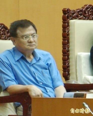 屏東縣議會前秘書長吳松薰涉貪被訴。(資料照)