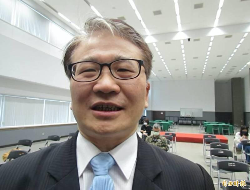 台中市旅館公會續挺林佳龍,公會理事長鄭生昌說,「表達正確的聲音對他才公平」。(記者蘇孟娟攝)