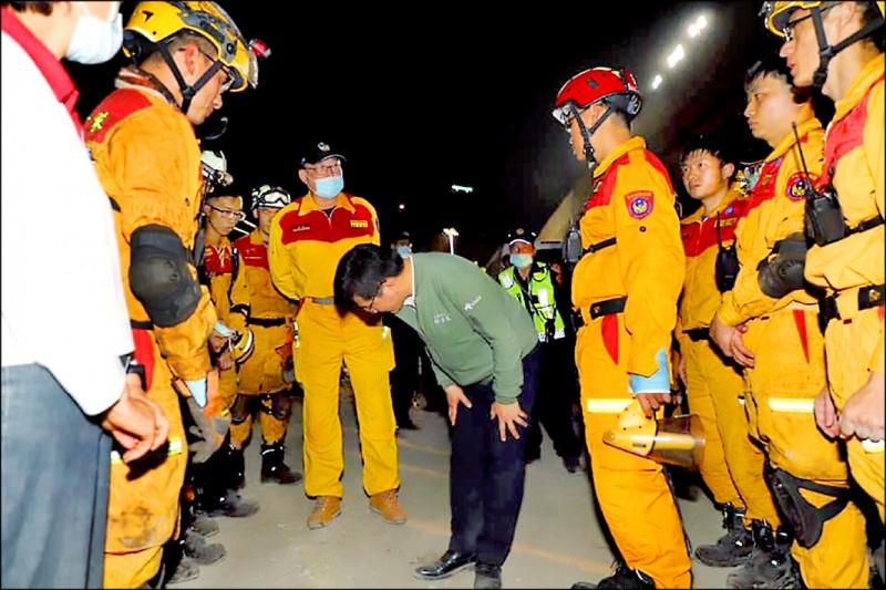 交通部長林佳龍請辭,花蓮觀光業喊留人,強調「需要認真好部長」。(取自林佳龍臉書)