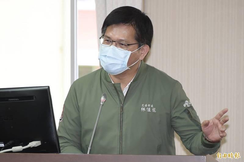 交通部長林佳龍今日赴立法院交通委員會接受質詢。(記者塗建榮攝)