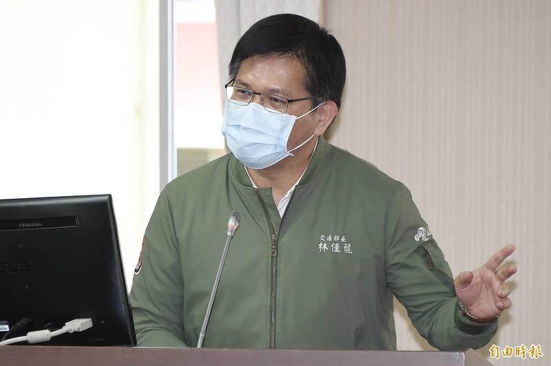 交通部長林佳龍今日出席交通委員會專案報告並備詢。(記者塗建榮攝)