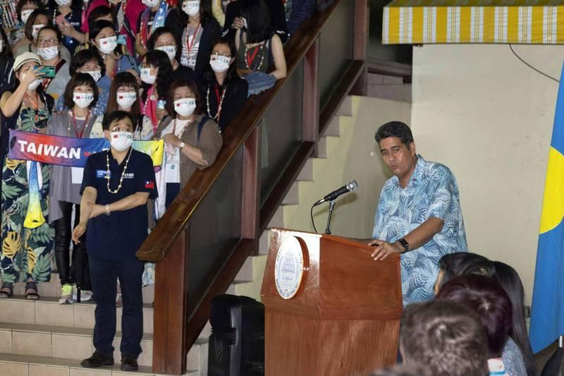 惠恕仁近日接受外媒採訪時表示,中國因為帛琉與台灣的關係而不斷施壓,在帛琉大選期間,他大概就接到了16通電話。(法新社)
