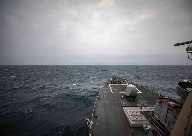 美軍導彈驅逐艦馬侃號今天通過台灣海峽。中共解放軍東部戰區今晚發表聲明稱,對馬侃號全程跟監,並稱戰區部隊將「嚴密防範警戒,隨時應對一切威脅挑釁」。(圖擷自U.S. Navy臉書專頁)