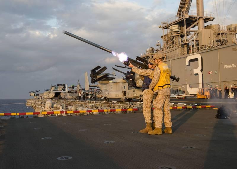 我國向美採購人員攜行式刺針飛彈,海軍將配備在海軍各型飛彈快艇上。圖為美軍在軍艦上進行訓練試射。(圖:美國海軍網站)