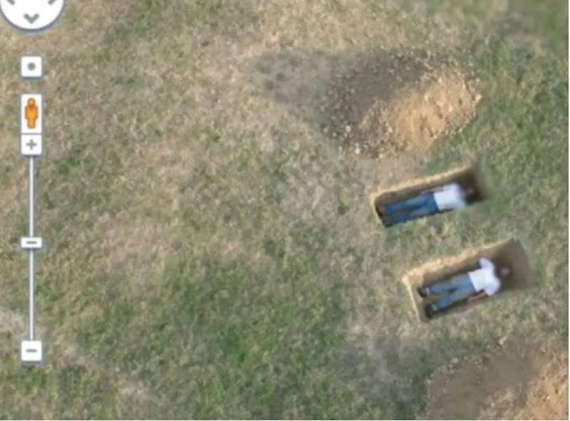 近日國外瘋傳一張畫面,在一張空拍畫面中竟有2個並排的長方形坑洞,細看裡面竟有兩個穿著一模一樣的人,有如兩具準備下葬的屍體,詭異的畫面也引起網友熱議。(圖擷自網路)