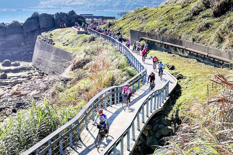 新北夏季受歡迎的山海戀單車遊。(觀旅局提供)