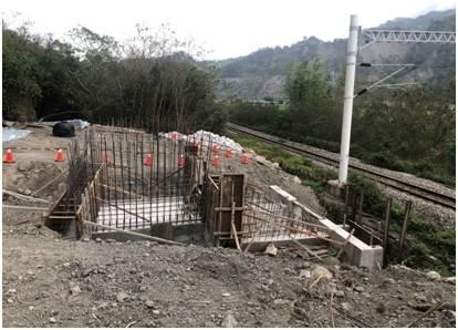 台鐵山里邊坡改善工程現地情況。(圖:工程會提工)