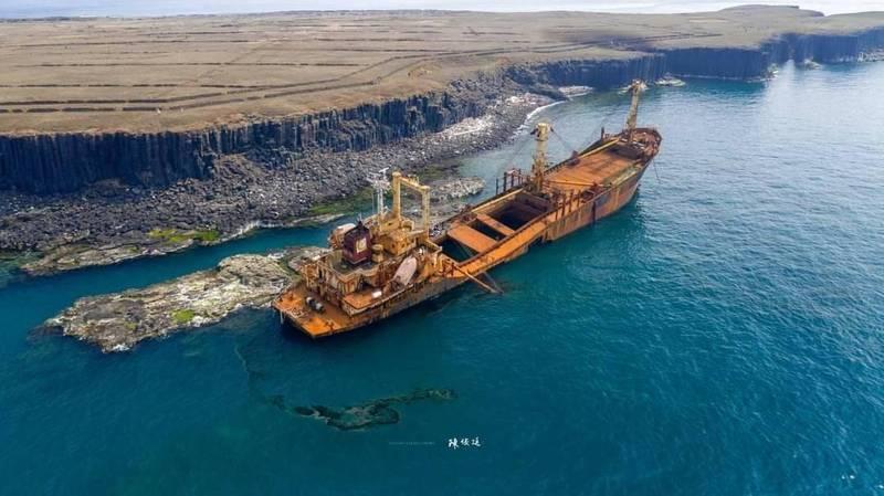 西吉貨輪漏油危機暫解除 長期生態影響仍需監控
