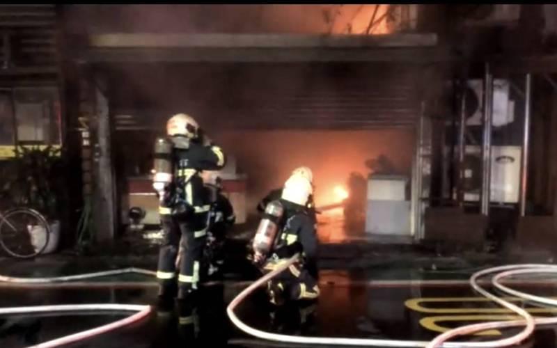 北市羅斯福路鐵皮屋傳火警 消防迅速撲滅無人傷亡