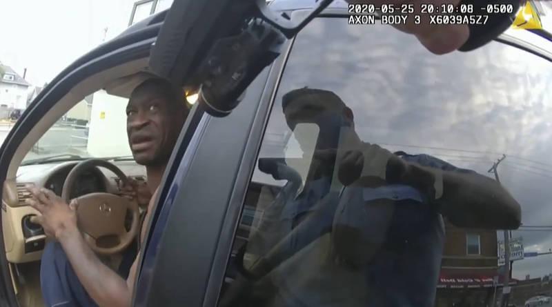 美非裔男子佛洛伊德遭警壓頸身亡一案正由法庭審理。(美聯社檔案照)