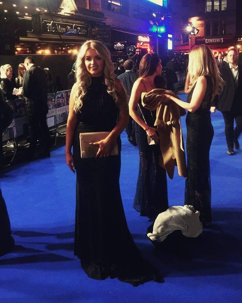英國25歲女子帕克在17歲時中了3925萬大獎,便開始她多金揮霍的貴婦名媛生活。(圖翻攝自janeparkx個人IG)