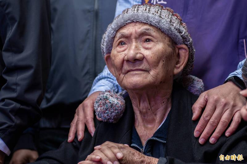 95歲老榮民劉永中捐出700萬房產作為社區關懷據點。(記者許倬勛攝)