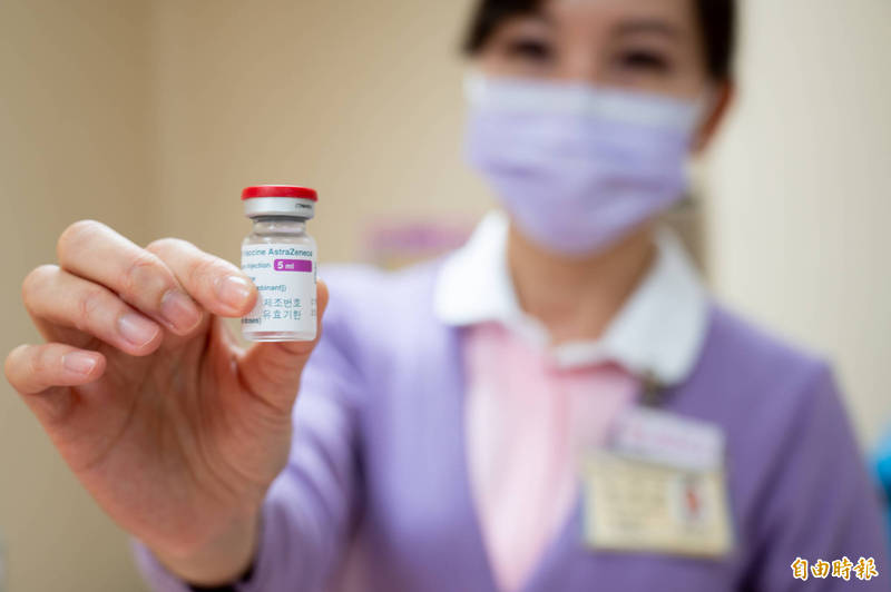 我國4月12日起擴大疫苗接種對象,納入邊境守護者CIQS人員。(資料照)