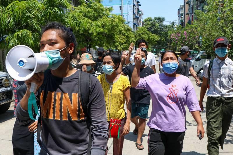 緬甸軍政府發言人聲稱示威已逐漸減少,然而各地警民衝突仍不斷爆發。(美聯社)