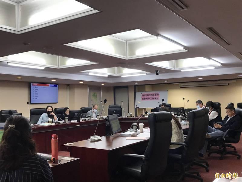 台北市議會今天召開民政委員會。(記者蔡思培攝)
