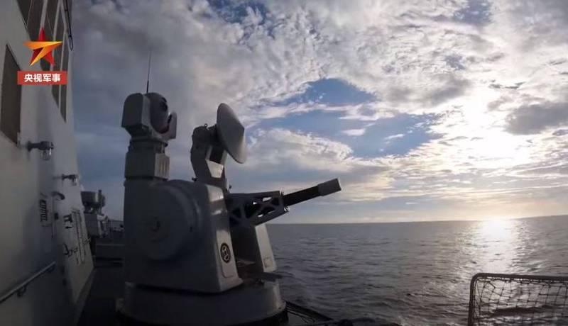 央視昨日公布中國海軍實彈演訓片段。(圖翻攝自央視軍事_微博)