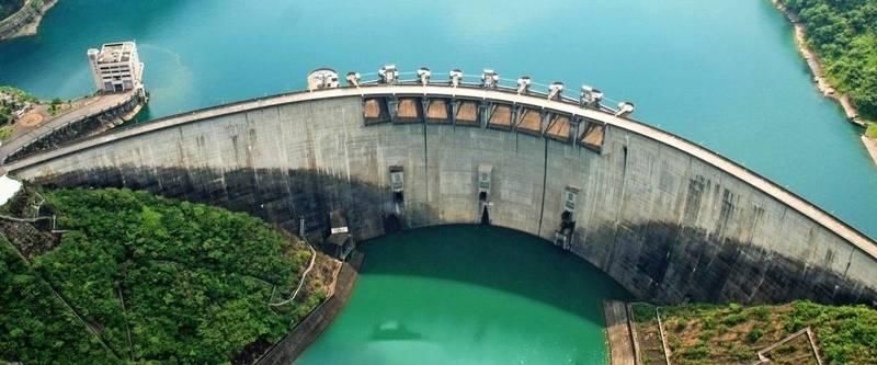 翡翠水庫目前蓄水量約75%,預估至7月20日水位為153公尺、蓄水量約1.2億噸,相當於2座石門水庫蓄水量。(記者鄭名翔翻攝)