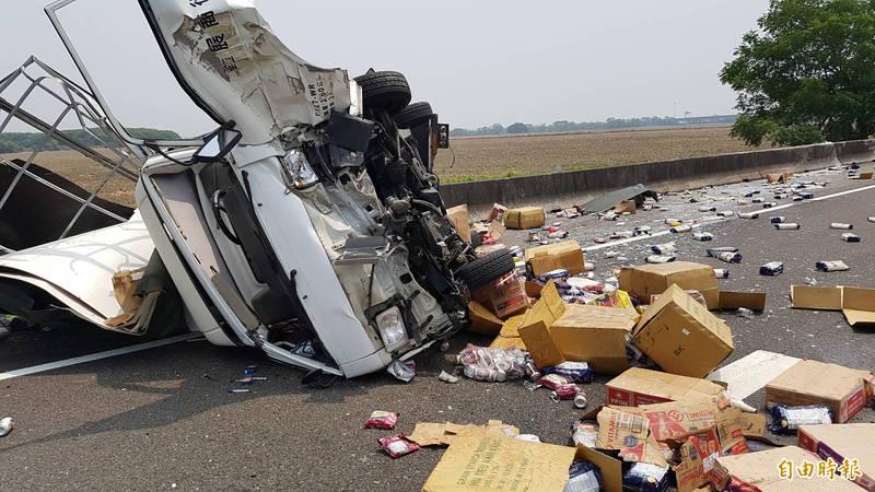 中山高嘉義水上段發生嚴重車禍。(記者林宜樟攝)