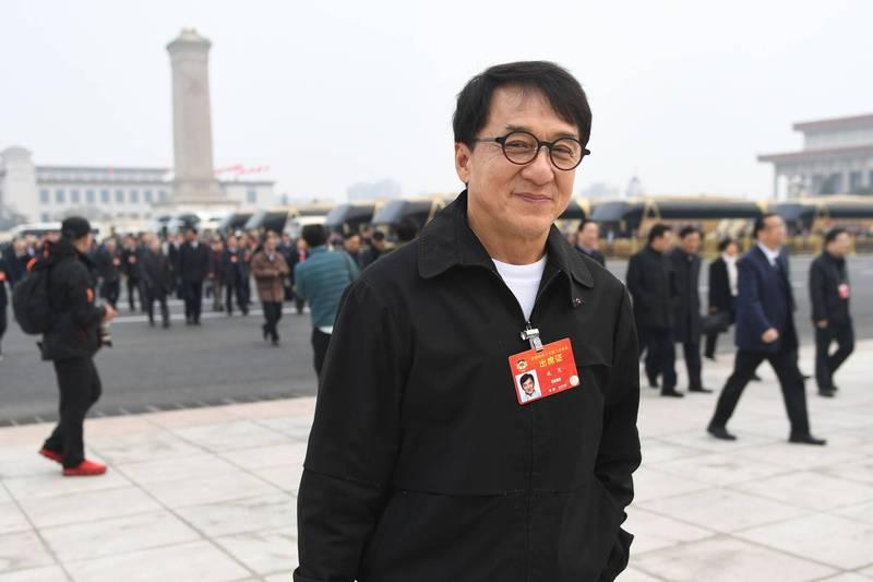 香港特首選舉委員會將增加300席至1500人,其中110席將由新創立的5個「有關全國性團體香港成員的代表」組別選出,包括藝人成龍(見圖),均可投票選舉特首選委。(法新社檔案照)
