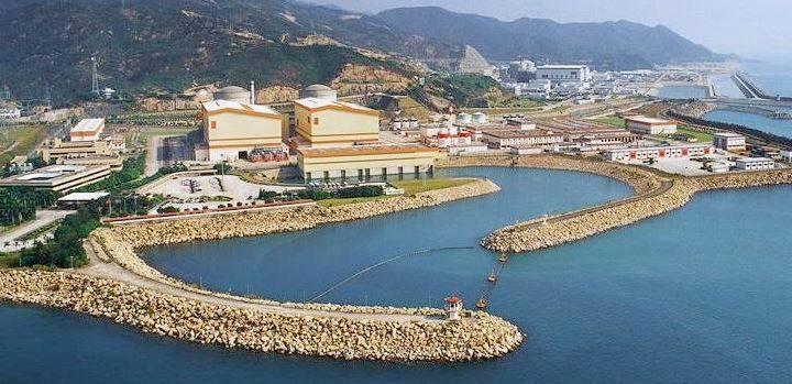 距離香港僅50公里的大亞灣核電廠,放射性物質「氚」的排放上限,還比福島的標準高出10倍。(擷取自中華電力官網)