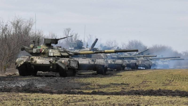 烏克蘭與俄羅斯都在週三舉行軍演。圖為烏克蘭陸軍戰車。(路透)