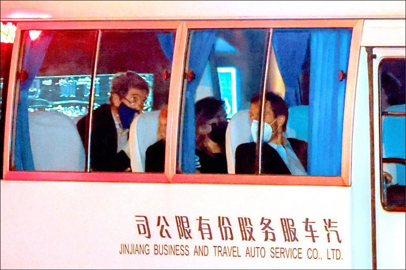 美國白宮氣候變遷特使凱瑞十四日抵達中國上海市,將與中方就氣候問題展開會談。(路透)