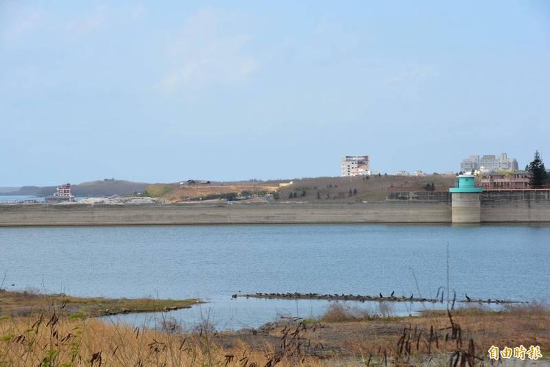 澎湖地面水庫儲水量有限,大都仰賴海水淡化供應民生用水。(記者劉禹慶攝)