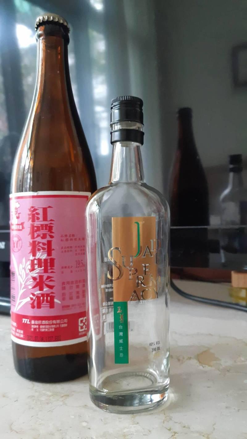 米酒與威士忌。示意圖,非本案酒類。(記者黃明堂攝)