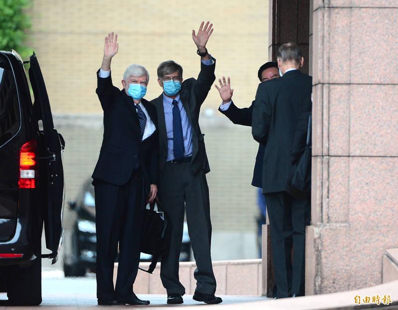 美國總統拜登摯友、前參議員陶德(左)率團訪台。(資料照)