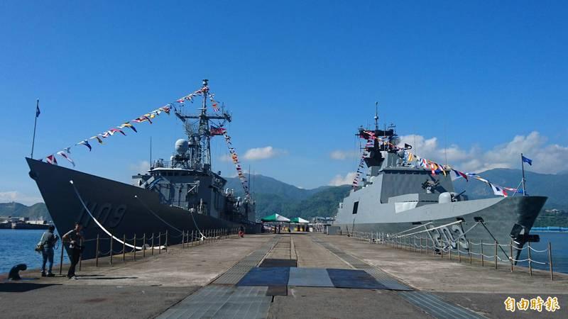 海軍新一代飛彈巡防艦若執行順利,未來將可逐步取代現役的成功級軍艦(左)及拉法葉級軍艦(右)。(資料照)