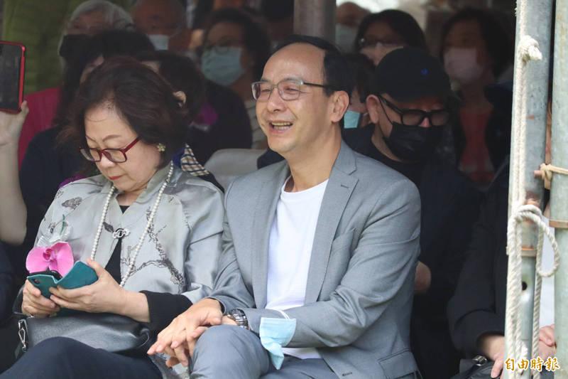朱立倫表示,台灣不應該強調網路聲量,要重視民主政治。(記者周湘芸攝)