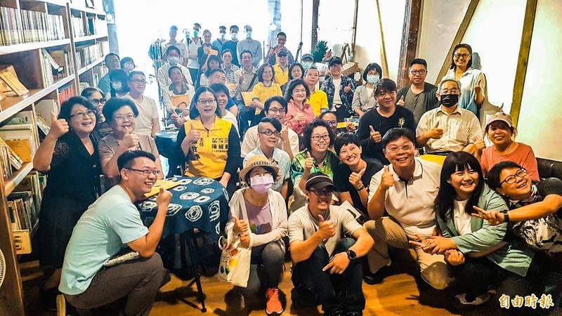 嘉義市台灣圖書室整修完成後重新開幕。(記者林宜樟攝)