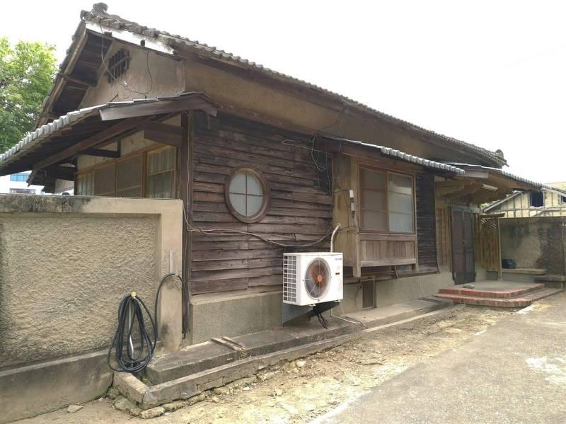 台南市佳里原大日本武德會社宅仍保有完整日式住宅技法,獲登錄為歷史建築。(台南市文資處提供)