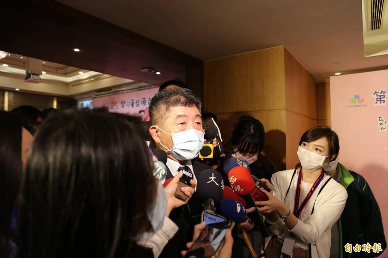 衛福部長陳時中今天接受媒體問及萊豬議題時強調,進口是廠商的商業行為,而公投是人民施展公民意志的手段與方法,政府一定尊重。(記者邱芷柔攝)