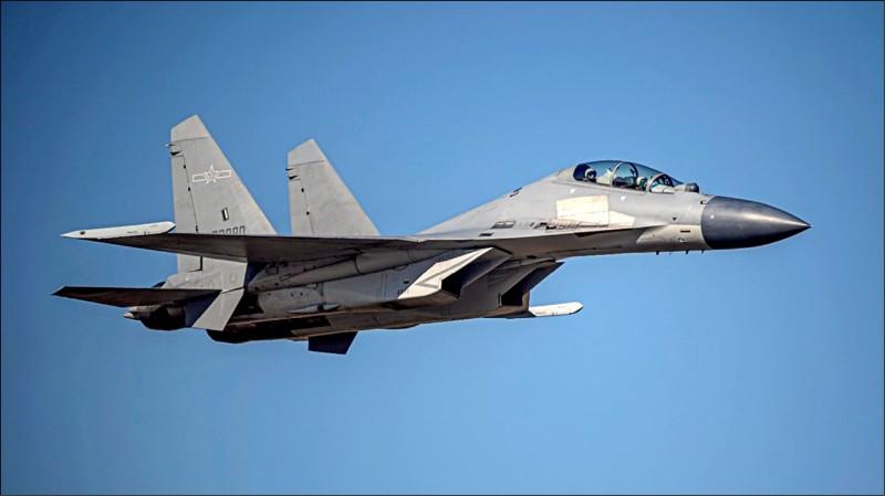 澳媒指出,一旦中國對台開戰,澳方不排除出動軍隊應援。圖為殲16戰機。(國防部提供)